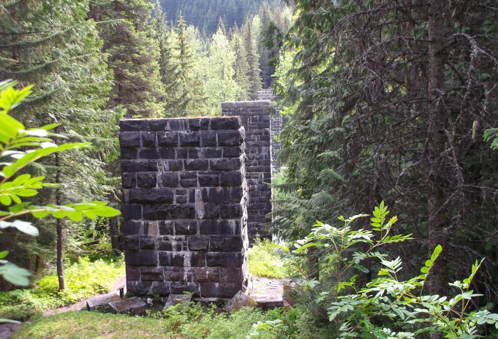 Loopback trails stone pillars.